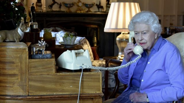 На прошлой неделе королева провела еженедельную аудиенцию с премьер-министром по телефону