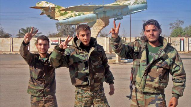 صورة جنود في الجيش السوري