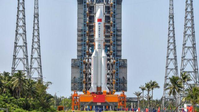 स्पेस स्टेशन के मॉड्यूल को लेकर रवाना होनेवाला लॉन्ग मार्च-5 बी वाई2 रॉकेट