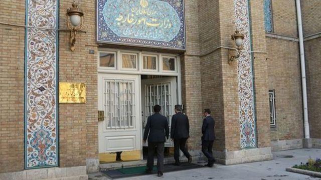 هیات دیپلماتیک و سفیر ترکیه در حال ورود به وزارت خارجه ایران