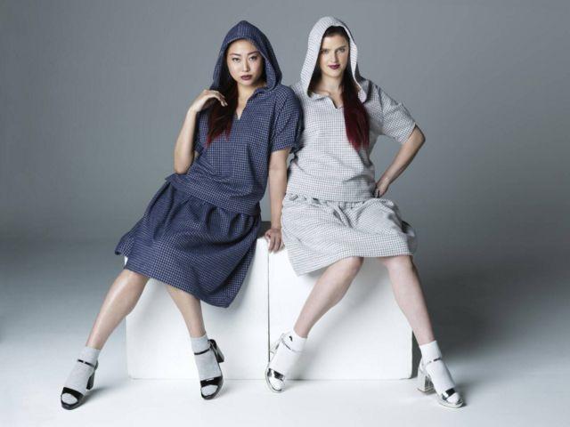Modelos vestidas com roupas de Marcello Matsui