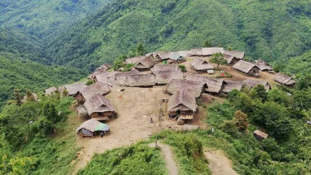 နာဂဒေသက လန်ပန်းကျေးရွာမြင်ကွင်း