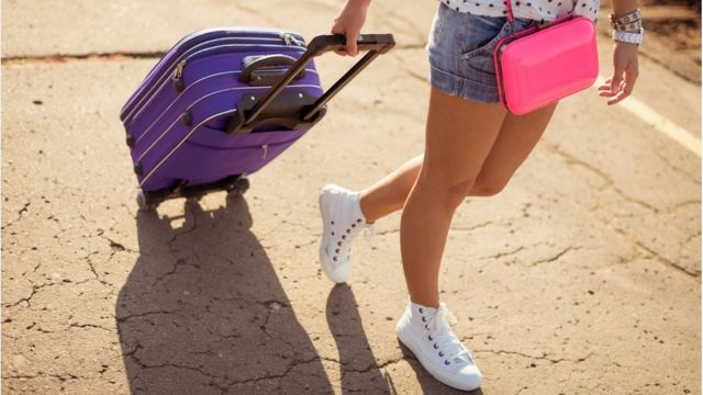 Why suitcases rock and fall over - puzzle solved