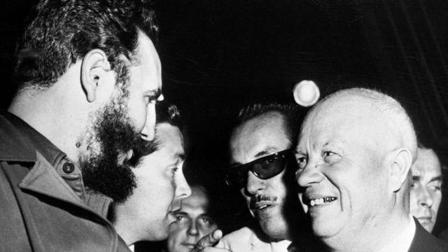 Hogaamiyihii Cuba Fidel Castro iyo hogaamiyihii Midowgii Soviet Khrushchev