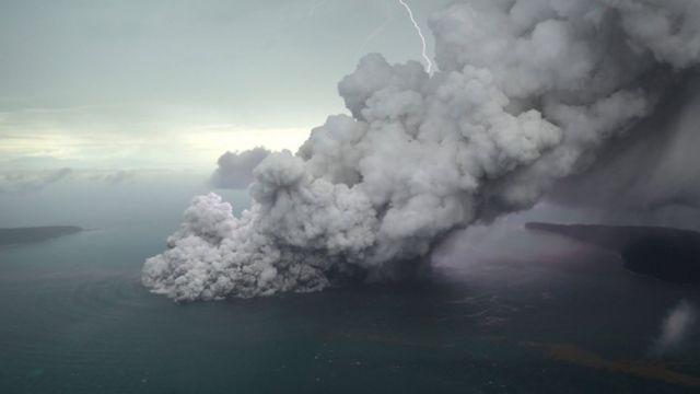 Vulcão de Anak Krakatau. Foto: 23 de dezembro 2018