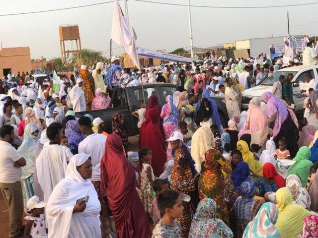 """تؤكد ناشطات حقوقيات أن ما ينقص النساء الموريتانيات هو """"تجسيد حضورهن الكمي على اللوائح الانتخابية والحملات الدعائية في مقاعد البرلمان والوظائف السامية في الدولة""""."""