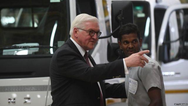 जर्मनी के राष्ट्रपति फ़्रैंक वॉल्टर स्टेनमेयर ने चेन्नई स्थित कंपनी डेमलर इंडिया कमर्शियल व्हीकल का दौरा किया