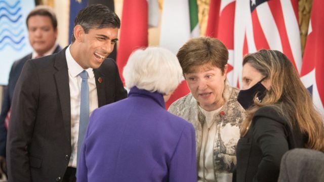 The finance ministers of the United Kingdom, Rishi Sunak (left), and Canada, Chrystia Freeland (right).