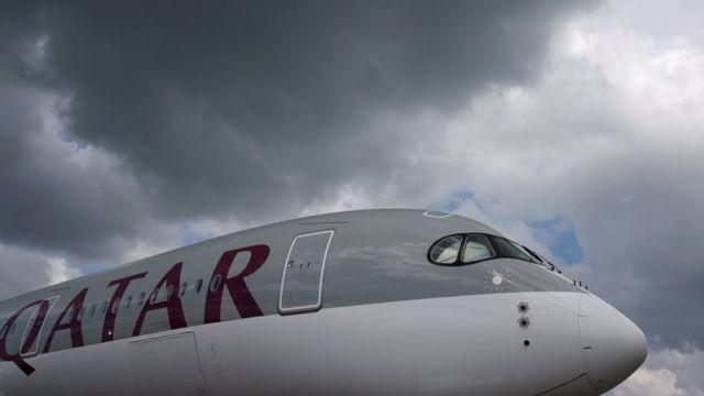 Bazı ülkeler Katar uçaklarına hava sahasını kapattı.
