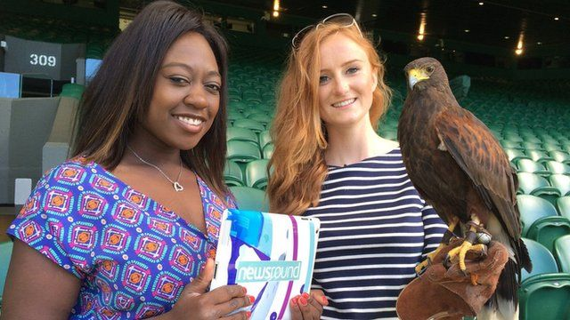 Ayshah, Rufus the Wimbledon hawk and its handler Imogen
