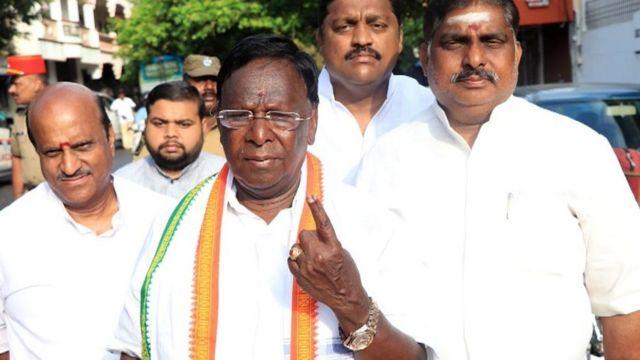 புதுச்சேரி முதலமைச்சர் நாராயணசாமி