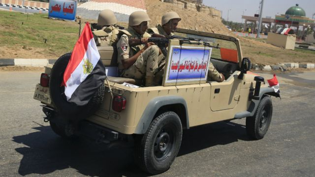 Egyptian soldiers on patrol in Egypt - 6 August 2015