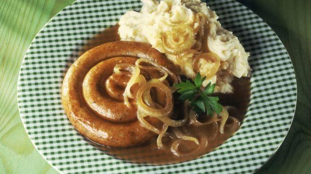 Сосиски с картофельным пюре