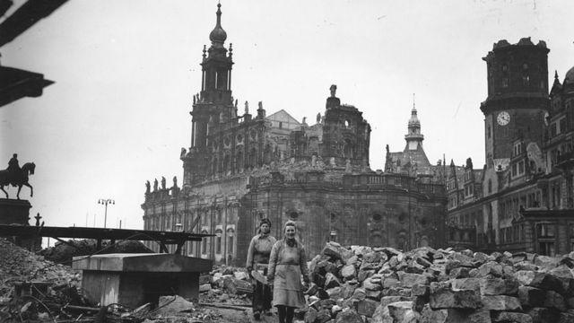 разбомбленный Дрезден в 1946 году