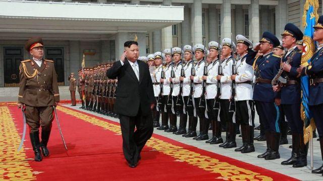 کره شمالی روز شنبه یک رژه نظامی بزرگ را به مناسبت یکصد و پنجمین سال تولد رهبرش برگزار کرد