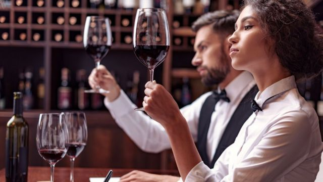 Подобно сомелье, различающим тончайшие оттенки вкуса вина, и мы можем научиться распознавать оттенки сложных эмоций