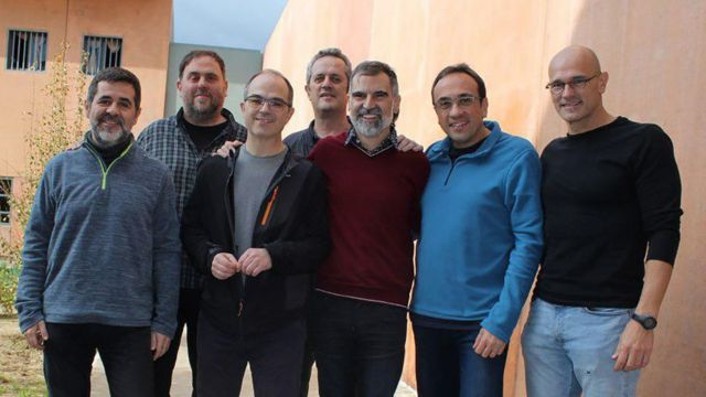 Entre los políticos y líderes independentistas enjuiciados están (de izq. a derecha) Jordi Sánchez, Oriol Junqueras, Jordi Turull, Joaquim Forn, Jordi Cuixart, Josep Rull y Raul Romeva.
