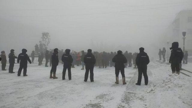 Yakutsk şehrindeki protestolar ise -50 derece altında gerçekleşti.