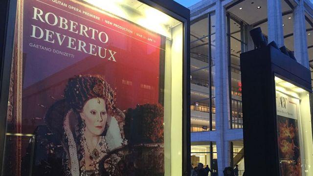 Metropolitan Opera House de Nueva York comenzó a transmitir en directo a los cines en 2006