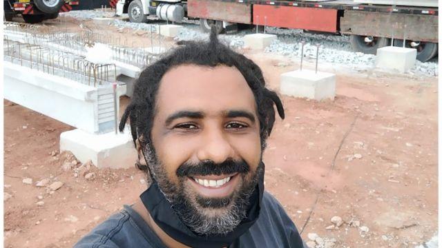 Moisés de Oliveira Costa durante entrega