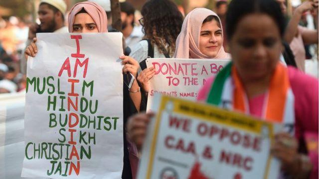 जगह-मुंबई: I.N.D.I.A.N.
