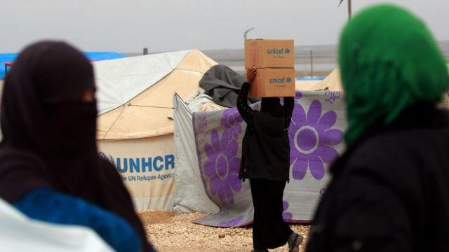 لاجئات سوريات في مخيمات لجوء بالداخل السوري