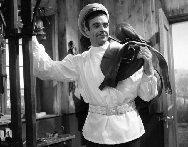 康納利1961年在BBC的《安娜·卡列尼娜》中飾演弗龍斯基伯爵。