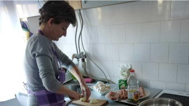 Mirjana u kuhinji