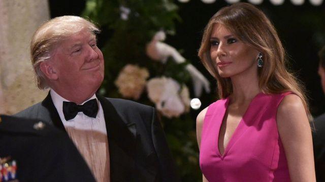 Donald Trump (solda) və Melani Trump (sağda)