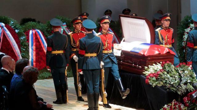 Гроб с Кобзоном