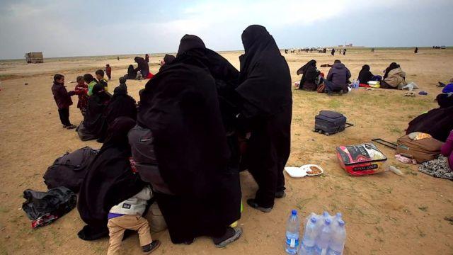 Son birkaç haftada IŞİD bölgelerinden kaçanların sayısının binlerce olduğu belirtiliyor.