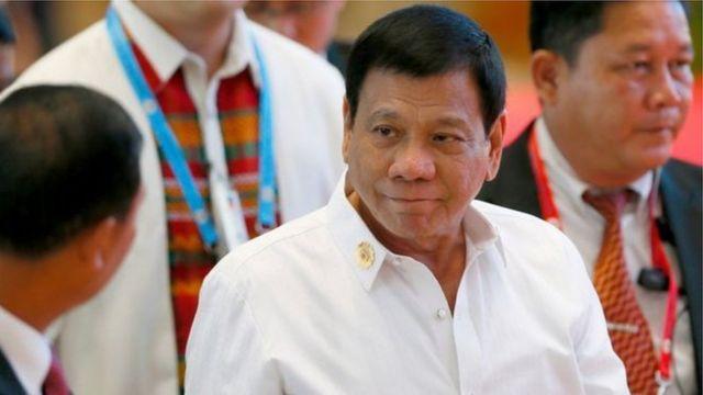 Urugendo rwa mbere rwa Duterte rwateye impari