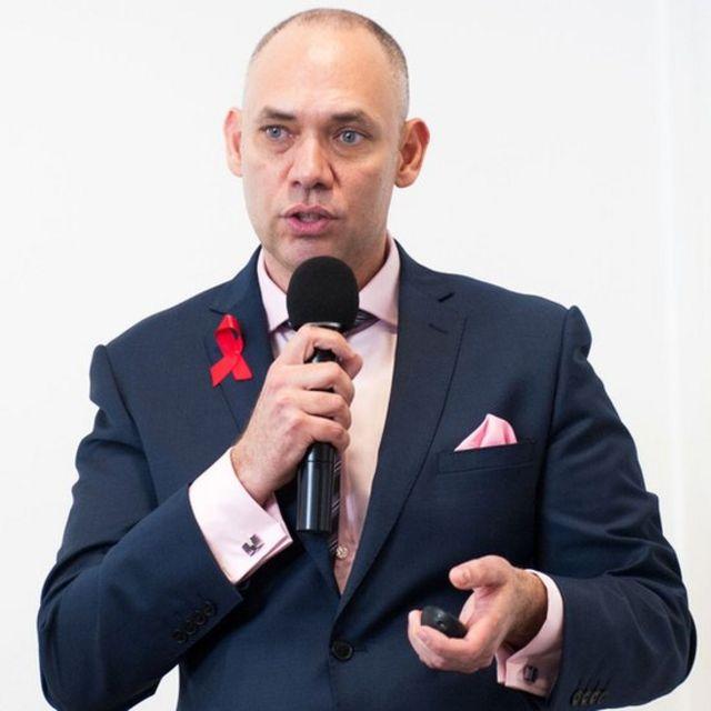 José Resinente em palestra