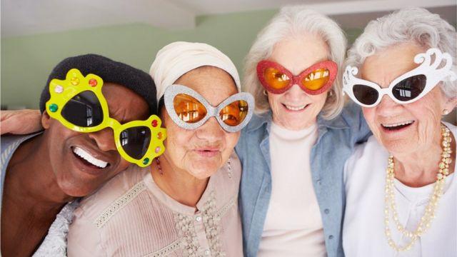 وقتی به سنین پیری میرسیم، حس خوشی و سلامتی دوباره در ما زنده میشود.