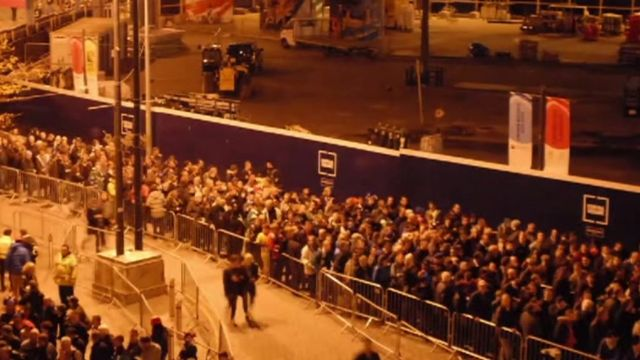 Arriva Trains Wales footage of the queuing system during the Rugby World Cup