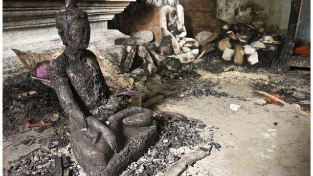 কক্সবাজারে রামুর বৌদ্ধ পল্লিতে হামলা