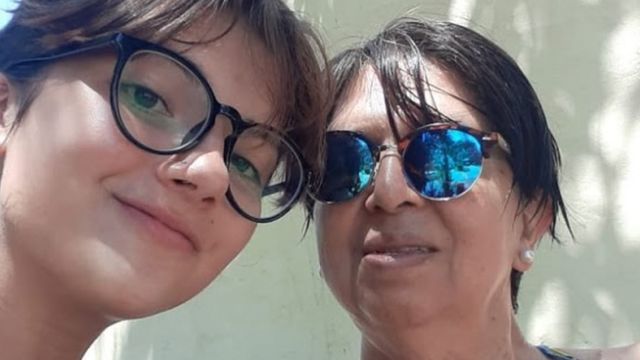 Olga Díaz con su nieta Victoria.
