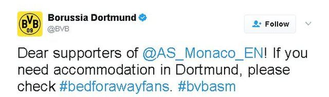 Alman kulübü, maçın ertelenmesinin ardından yaptığı paylaşımda, ertelenen maç için Dortmund'da bir gece daha konaklamak zorunda kalan Monaco taraftarlarının #bedforawayfans (#deplasmantaraftarlarıiçinyatak) etiketine baklamalarını söyledi