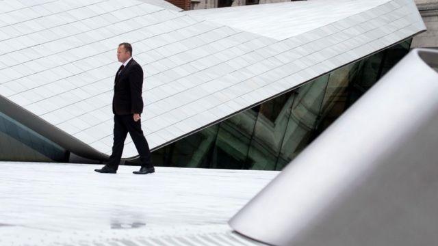 Los Sackler financiaron un patio futurista en el Museo Británico que lleva su nombre.