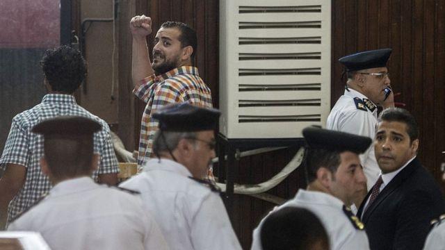 """Журналисты """"Аль-Джазиры"""" в суде Каира"""