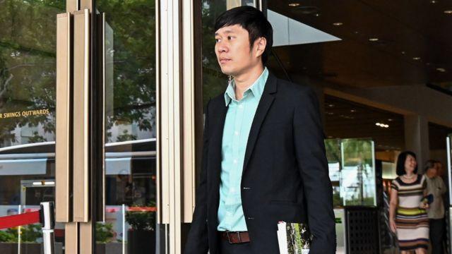 范国瀚步出新加坡高等法庭大楼(20/3/2019)