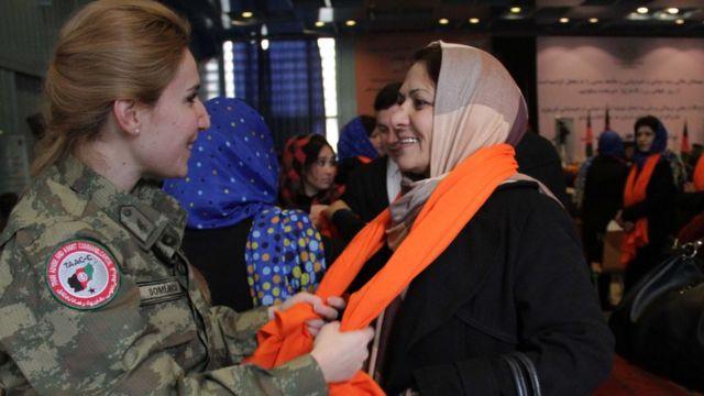 турецкая женщина-солдат