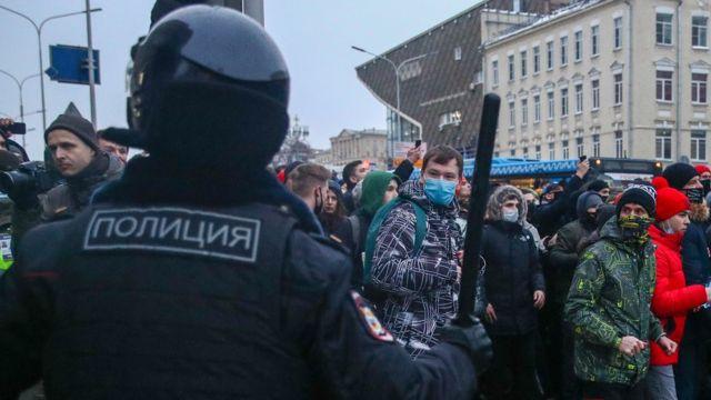 Rusija, Navaljni i protesti: Sam protiv policajaca u Moskvi - ko je momak o kom bruji internet