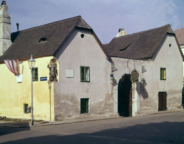 Photograph of the Heiligenstadt house where Beethoven sought shelter.