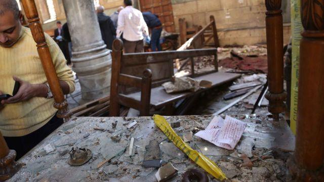 انفجار في كنيسة ملحقة بالكاتدرائية المرقسية في القاهرة