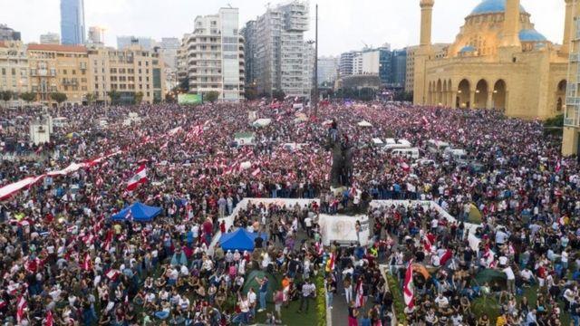 လက်ဘနွန်မြို့လယ်မှာ ၂၀၁၉ အောက်တိုဘာမှာ လုပ်ခဲ့တဲ့ အစိုးရဆန့်ကျင်ဆန္ဒပြပွဲ
