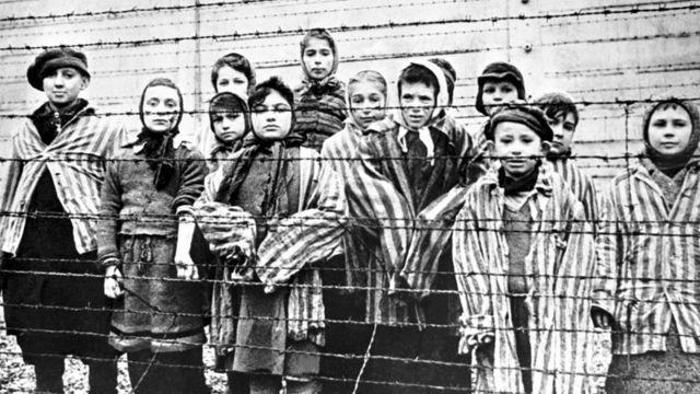 Liberación de Auschwitz: cómo este campo de concentración se convirtió en el centro del Holocausto nazi - BBC News Mundo