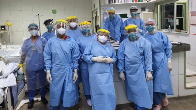 Equipe de hospital Albert Sabin, em Fortaleza