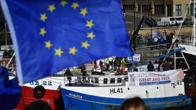 Bandera UE barco.