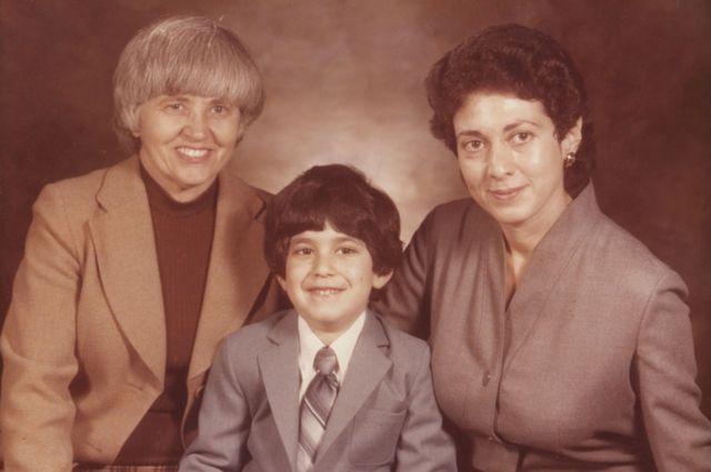১৯৭৯ সালে এভ্রমের যখন চার বছর বয়স।